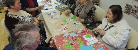 Stridžie dni a výroba vianočných pozdravov s pracovníčkou knižnice - m_DSCN8190